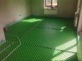 Kombinácia podlahového kúrenia a radiátorov